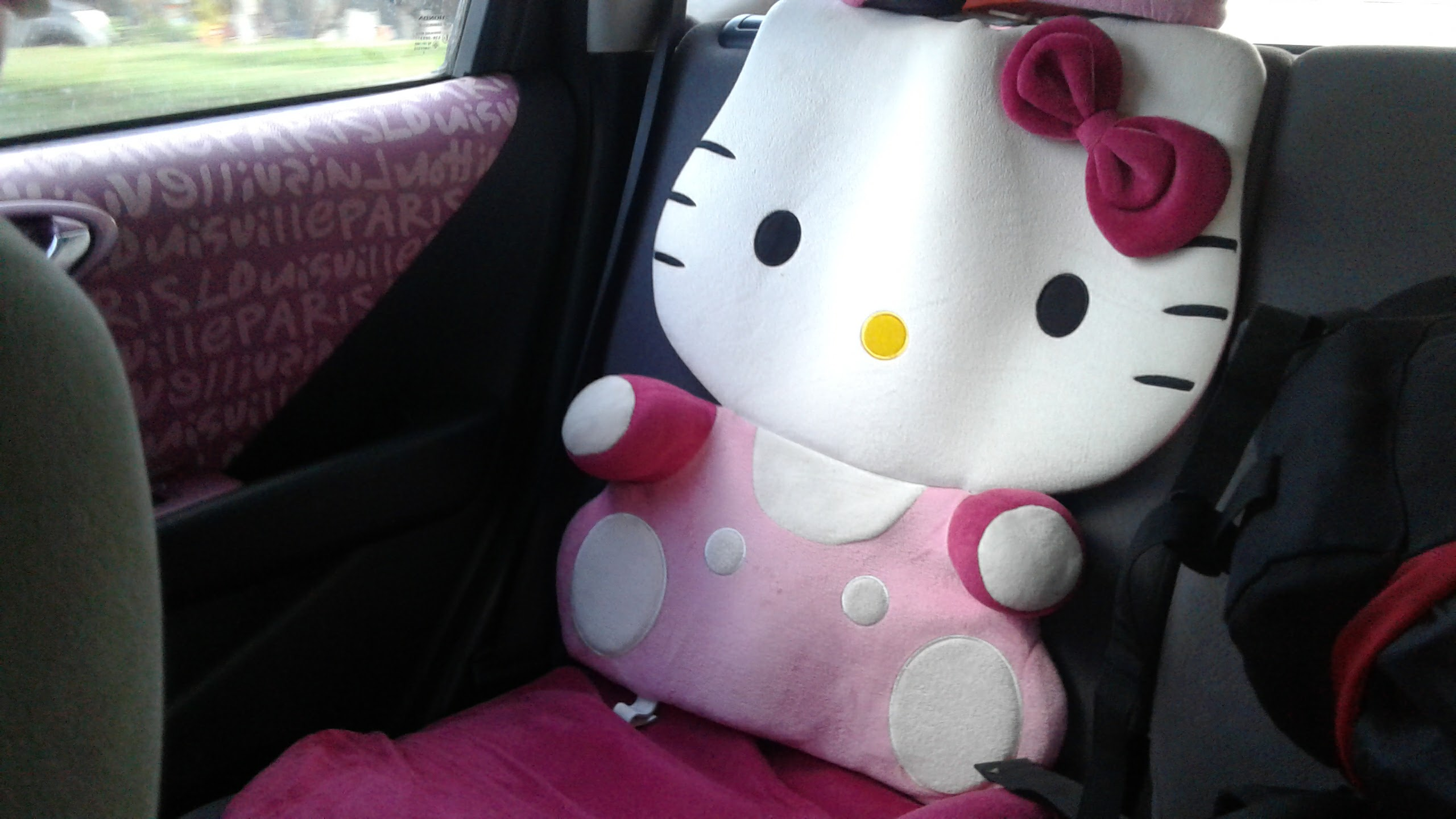 Hello Kitty seats.