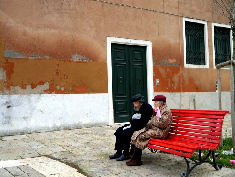 An old couple in winter in Venice
