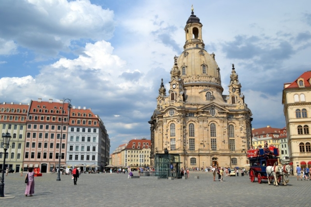 The Dresden Frauenkirche and horse carriage