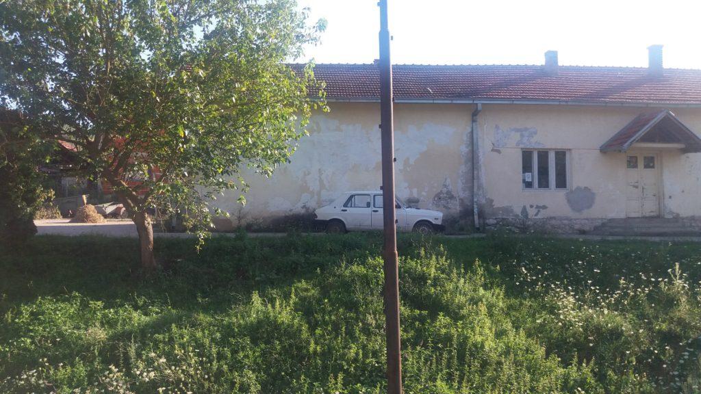 A car a house and a pole Belgrade to Sofia